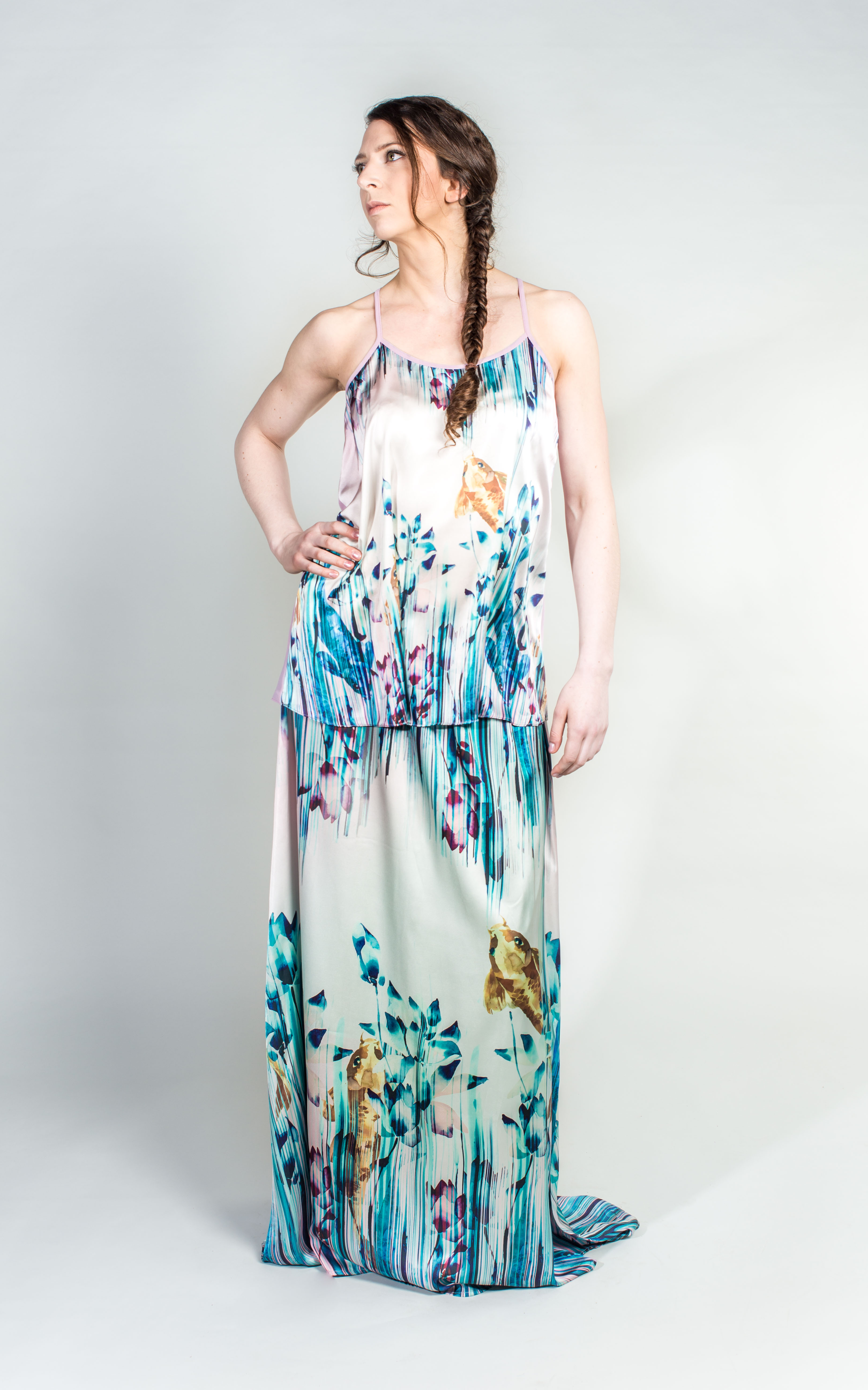 Want her dress - 629
